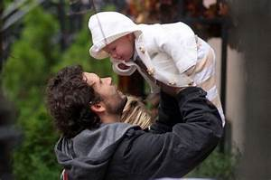 Jeremy Sisto in the West Village with His Family - Zimbio