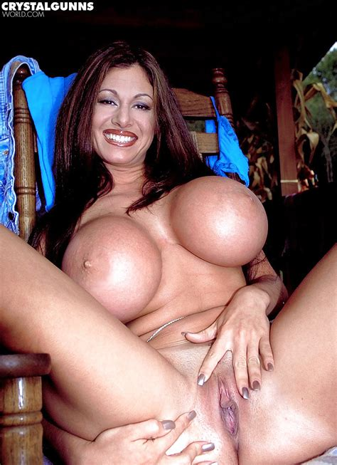 Milf Solo Girl Crystal Gunns Unveils Huge Hooters And