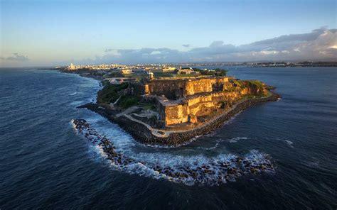 anthony bourdain shines light  puerto ricos economic