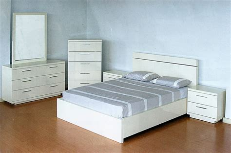 modern white lacquer bedroom set cr contemporary bedroom