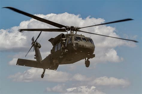 Army Confirms Black Hawk, Drone Collided Over New York ...