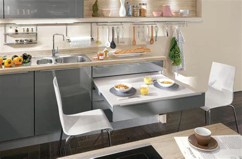 Grau Haus Thema Ebenfalls Küche Mit Integriertem Essplatz
