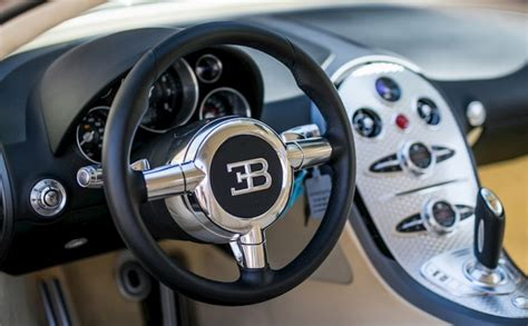 The bugatti veyron simply annihilates the distance between corners with very little pressure from should the system drop two or three gears, 1,250nm of torque suddenly tries to escape through the. For $1.6 Million, You Can Be The One To Break In This Low-Mileage Bugatti Veyron - bullseyeturbo.com