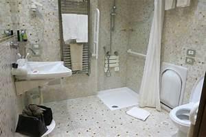 Aide Pour Amenagement Salle De Bain Personne Agée : salle de bain am nagement handicap photo de hotel ~ Melissatoandfro.com Idées de Décoration