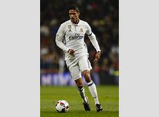 Varane renueva con el Real Madrid hasta 2022