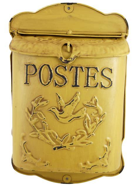 boite aux lettres vintage boite aux lettres jaune antique postes lintemporel deco fr