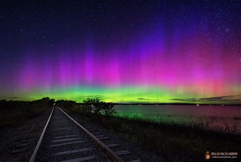 photos amazing northern lights display from solar