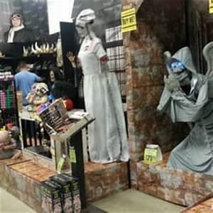 Spirit Halloween Costumes Glendale Reviews Yelp