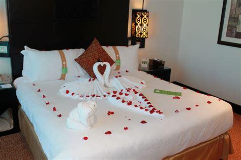 tips   romantic hotel room makeover romantic hotels
