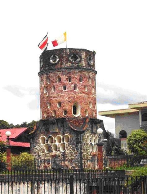 el fort 237 n de heredia es una edificaci 243 n en forma de torre 243 n que se encuentra en el centro de la