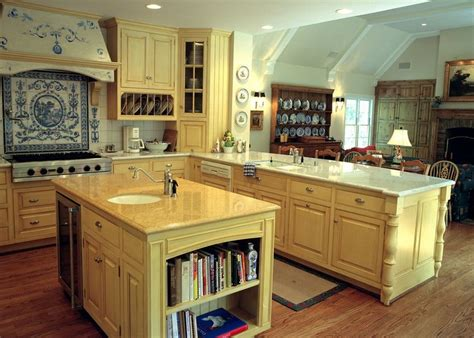 country yellow kitchens 20 ways to create a country kitchen 2969
