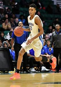 Top-rated freshman Emoni Bates shows flashes of Kevin Durant