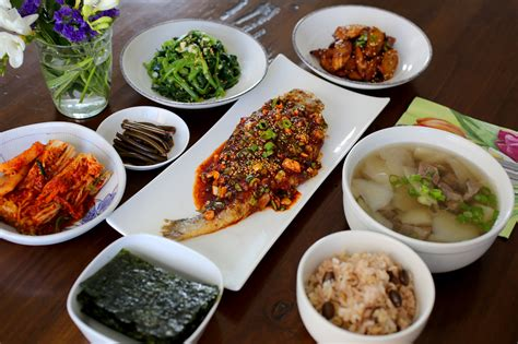 tables cuisines a typical homestyle table setting maangchi com