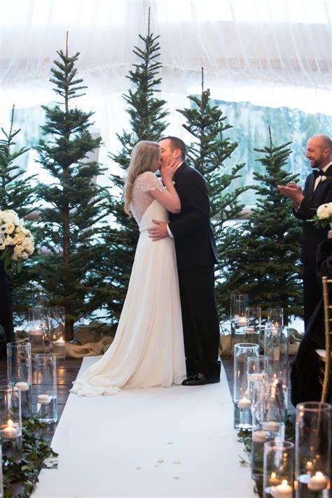 Tree Backdrop For Wedding by 33 Cozy Evergreen Winter Wedding D 233 Cor Ideas Weddingomania