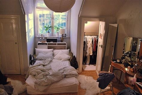 My Ideal Home — Small Bedroom With Benefits Closet In A Nook