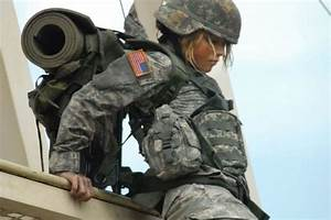 Real Life Female Soldiers (37 pics)