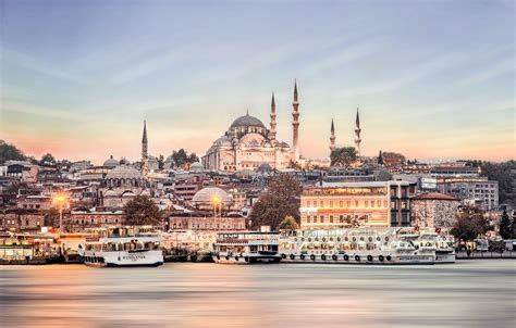11 Things To Do See And Eat In Istanbul Turkey Hand
