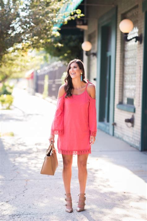 80+ Off The Shoulder Outfits For Girls