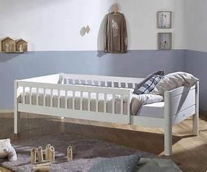Kinderbett Mit Rausfallschutz : kinderbett chenapan mit rausfallschutz f rs kinderzimmer ~ Frokenaadalensverden.com Haus und Dekorationen