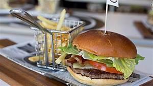 McDonald's latest innovation: Table service