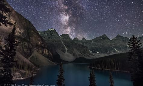 A Night At Moraine Lake The Amazing Sky