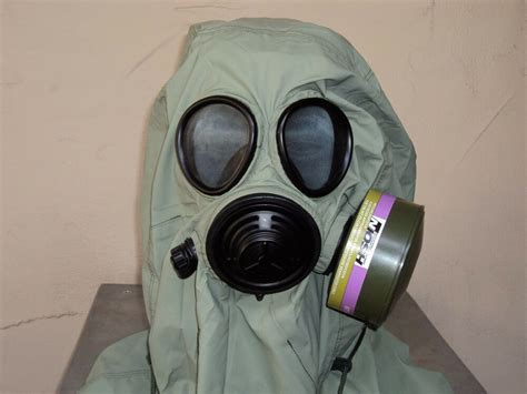 Military 40mm/nato Gas Mask W/drink Port, Hood, Pouch
