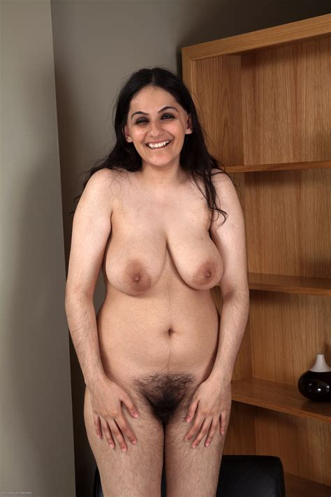 Pictures of naked hairy women, natural women who show jpg 2000x3000