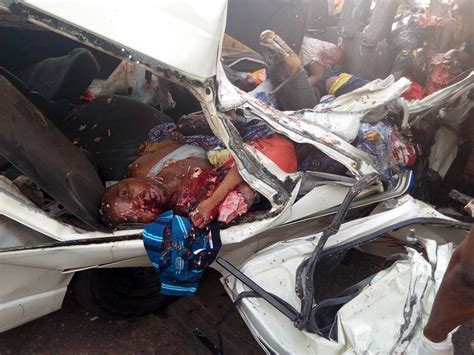 All Passengers In A Bus Die In Accident Along Lagos-benin