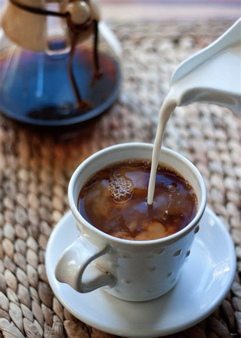 It's a good vegan coffee creamer, especially if you're on a low carb diet since it only contains 10 calories per 1 tbsp of the recommended serving. 9 Rich & Creamy Vegan Coffee Creamer Options - Kitchen Treaty