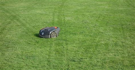 robot lawn mower robotic lawn mower