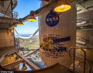 NASA prepare for Landsat satellite launch which will ...