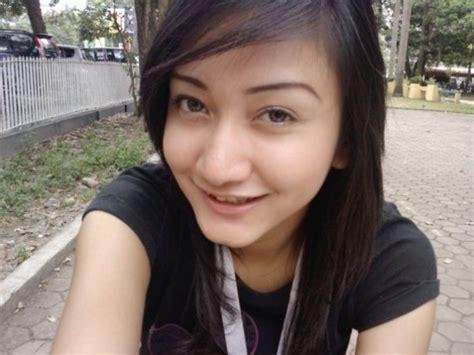Indo Hot 2011 Cewek Abg Telanjang