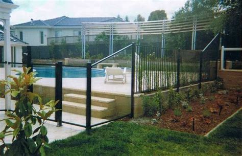 Pool Fence, Glass Fencing, Garden Fence, & Security Fenceing