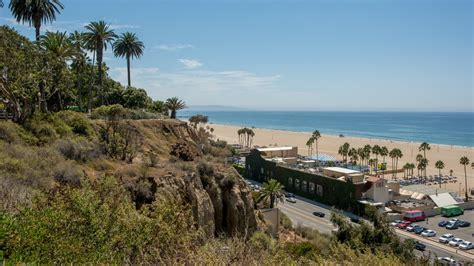 Home Pacific Palisades by At Cheech Marin S Pacific Palisades Home News Magazine