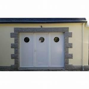 Porte de garage battante et portillon intégré ouverture à la française