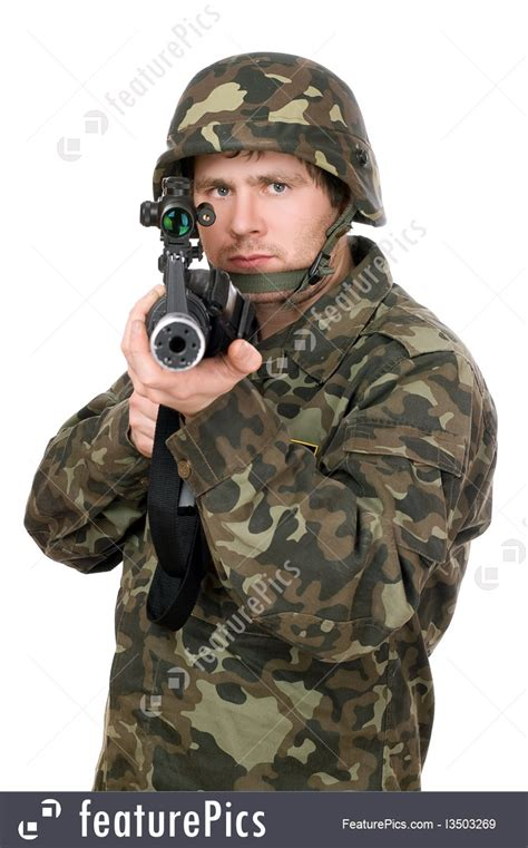 picture  soldier aiming  rifle closeup