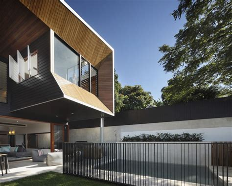 Dynamic Modern Architecture Imposing Wilden Street House