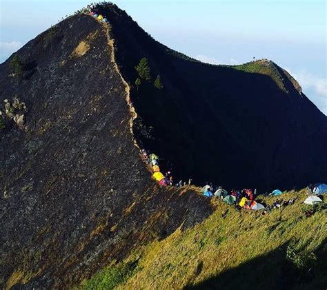 golden sunrise  gunung andong magelang tempat wisata