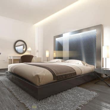 troquez votre lampe de chevet contre une tete de lit