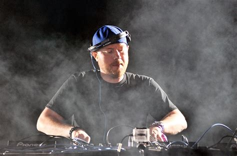 eric prydz releases hypnotic pryda track stay listen