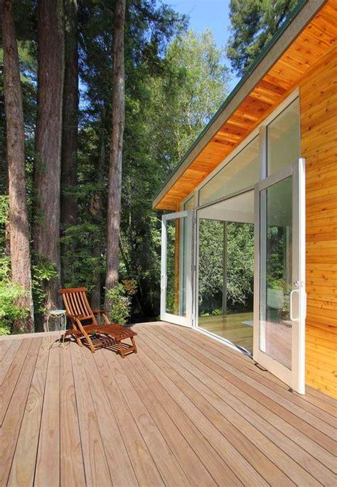 desain rumah sederhana  dinding kayu rancangan