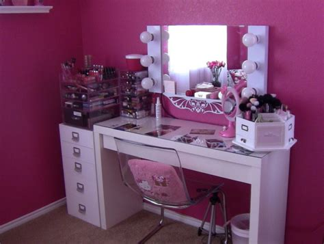 Makeup Vanity Table With Lights Canada by Furniture White Bedroom Vanity Table With Lighted Mirror
