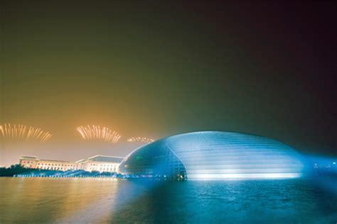 worlds  awe inspiring glass buildings howstuffworks