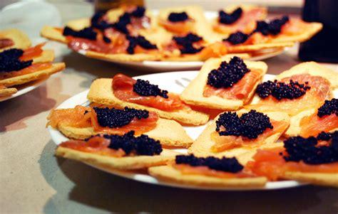 canape history file canapés de salmón y sucedáneo de caviar jpg