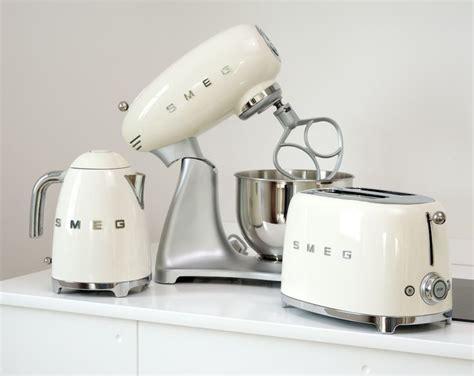 Best 25  Vintage kitchen appliances ideas on Pinterest   Retro kitchen appliances, Vintage stove