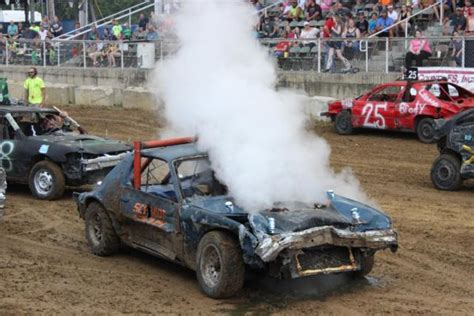 Dirt and destruction: Jersey County Fair finishes the week ...