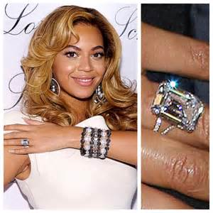 beyonce wedding ring how to take the engagement ring selfie wedding invitationsivy wedding