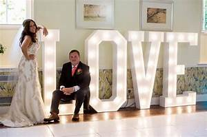 15 brilliant ways to use light up letters in your wedding With big light up letters for wedding