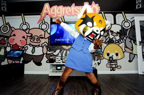 sing karaoke   kitty gudetama  aggretsuko