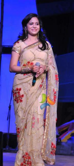 singer sunitha  shimmer saree saree blouse patterns